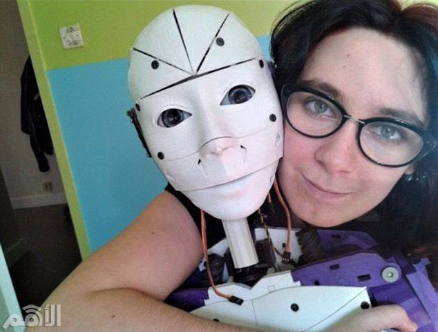 خطوبة امرأة على روبوت 2