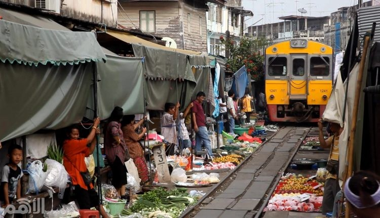 سوق ميكلونغ - تايلاند