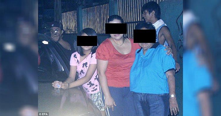 السياسي الفلبيني يلتقط صورة قاتله