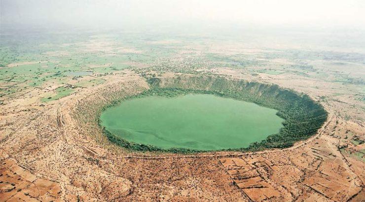 بحيرة النيزك