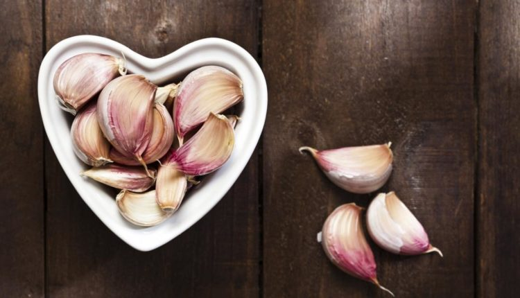 الثوم يمنع أمراض القلب